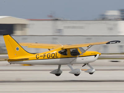 Photograph - C-fgql Aircraft by Dart and Suze Humeston