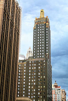 Photograph - Carbide And Carbon Building Profile Chicago by John Rizzuto