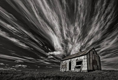 Shack Photograph - Cabin (mono) by Thorsteinn H. Ingibergsson