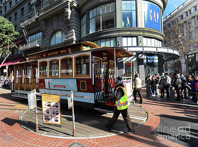 Photograph - Cable Car Union Square Stop by Steven Spak