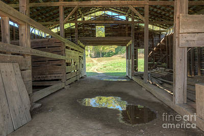Photograph - Cades Cove Barn by Patrick Shupert