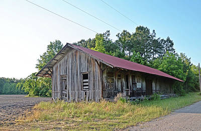 Photograph - Cades Depot by Linda Brown
