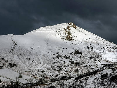 Caer Caradoc Winter Art Print by Richard Greswell