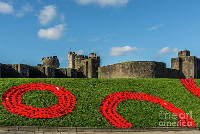Photograph - Caerphilly Castle Remembers by Steve Purnell