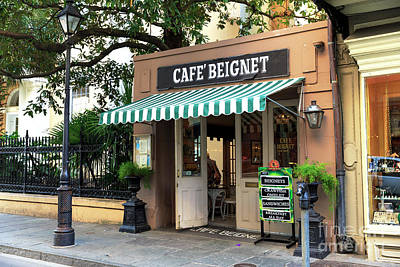 Photograph - Cafe Beignet by John Rizzuto
