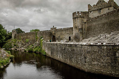 Photograph - Cahir Castle 1371 by Teresa Wilson