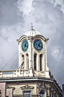 Tom Parker Photograph - Cailiforna Long Beach Clock Tower by Thomas Woolworth