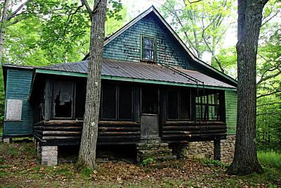 Photograph - Calhoun Lodge I by Debbie Oppermann