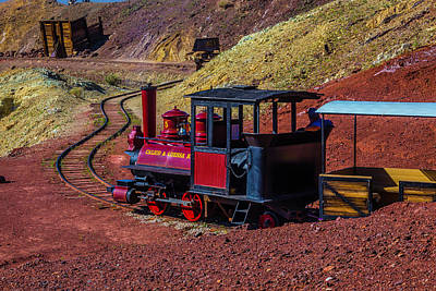 Narrow Gauge Engine Photograph - Calico On The Rails by Garry Gay