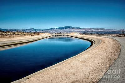Photograph - California Aqueduct At Fairmont by Joe Lach