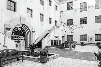 Photograph - California Institute Of Technology Courtyard by University Icons