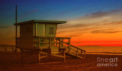 Photograph - California Lifeguard Tower At Sunset  by Jerry Cowart