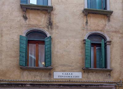 Photograph - Calle Tintoretto by Georgia Fowler