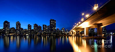 Photograph - Cambie Street Bridge Over False Creek by Terry Elniski