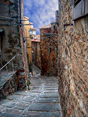 Photograph - Campiglia Marittima Street Scene by Anthony Dezenzio