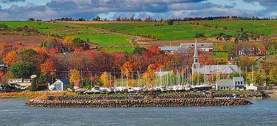 Photograph - Canadian Colors by Farol Tomson