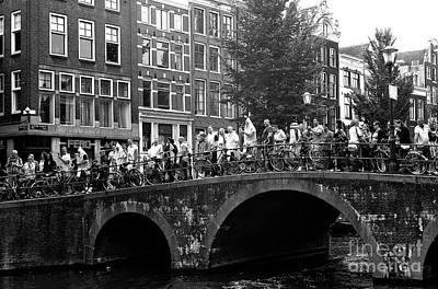 Photograph - Canal Bridge Crowds 2014 by John Rizzuto