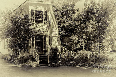 Photograph - Canal Front Living by William Norton