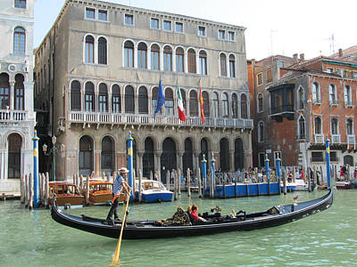 Photograph - Canal Of Venise by Lisa Boyd