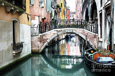 Fun Patterns - Canals of Venice by Linda D Lester