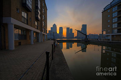 Canary Wharf Sunrise Art Print by Donald Davis