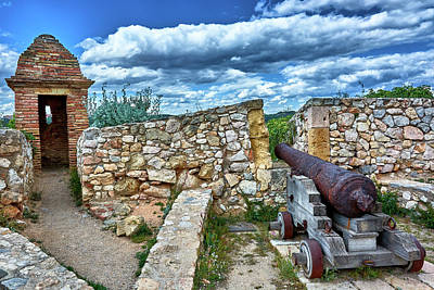 Photograph - Cannon And Ruins At The Roman Walls In Tarragona by Eduardo Jose Accorinti