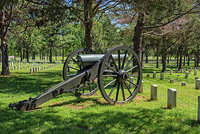 Photograph - Cannon At The Stones River National Battlefield And Cemetery by Jim Vallee