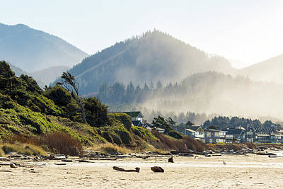 Photograph - Cannon Beach Oceanfront Vacation Homes by David Gn
