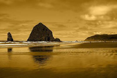 Lanscape Photograph - Cannon Beach Oregon by David Patterson