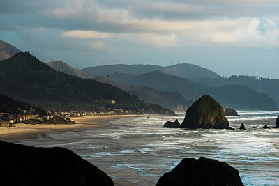 Photograph - Cannon Beach, Oregon by Robert Potts