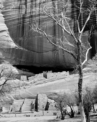 Photograph - Canyon De Chelly 28 by Jeff Brunton