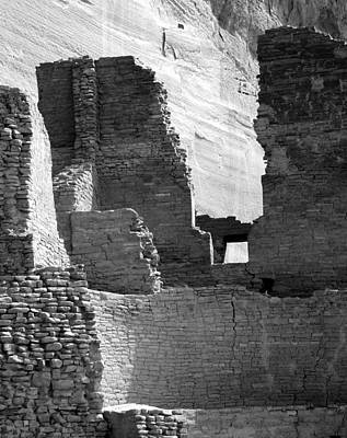 Photograph - Canyon De Chelly White House Ruin 4bw by Jeff Brunton