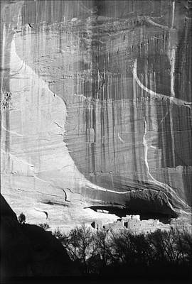 Photograph - Canyon De Chelly White House Ruin 6bw by Jeff Brunton