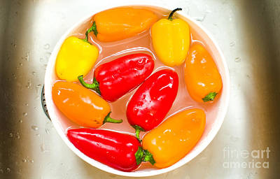 Leinwand Photograph - Capsicums Canvas Bell Peppers Prints Washing Vegetables by Luca Lorenzelli