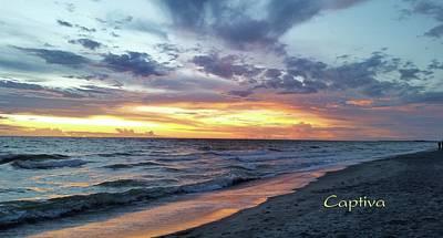 Photograph - Captiva Super Sunset by Florene Welebny