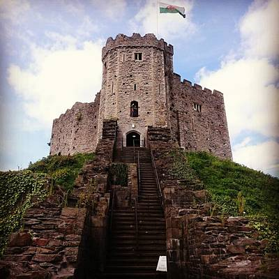 Photograph - Cardiff Castle by Gabriella Szekely