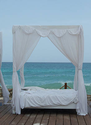 Photograph - Caribbean Relaxation Bed Single Vertical Color by Heather Kirk