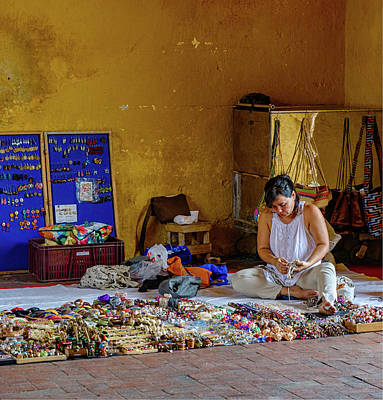 Everyday Stuff Photograph - Cartagena Business Woman by William Ferry