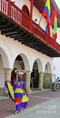 Photograph - Cartagena People 1 by Randall Weidner