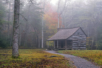 Photograph - Carter Shields Cabin In Cades Cove by Victor Culpepper