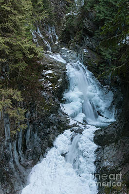 Photograph - Cascade Ice by Rod Wiens