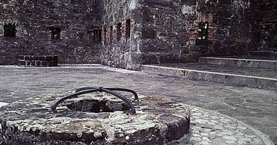 #castle #medieval #middleages #well Original