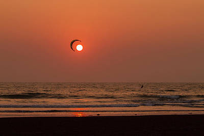 Photograph - Catch The Sun by Hitendra SINKAR
