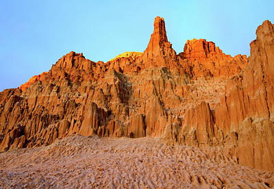 Photograph - Cathedral Gorge State Park, Nevada by Ed  Riche