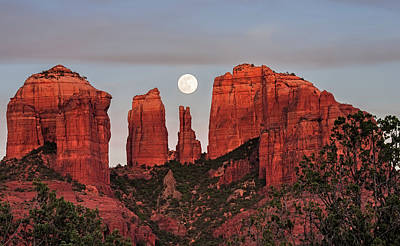 Cathedral Rock Photograph - Cathedral Of The Moon by Loree Johnson
