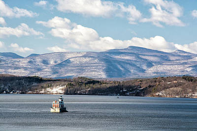 Photograph - Catskill Mountains With Lighthouse by Nancy De Flon
