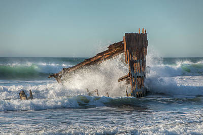 Peter Iredale Photograph - Caught In The Breakers 0702 by Kristina Rinell