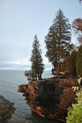 Photograph - Cave Point by Linda Goad