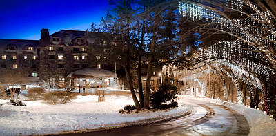 Grove Park Inn Photograph - Celebrate The Winter Night by Karen Wiles