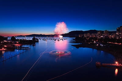 Celebration Of Light Fireworks - Day 1 Art Print by Alan W